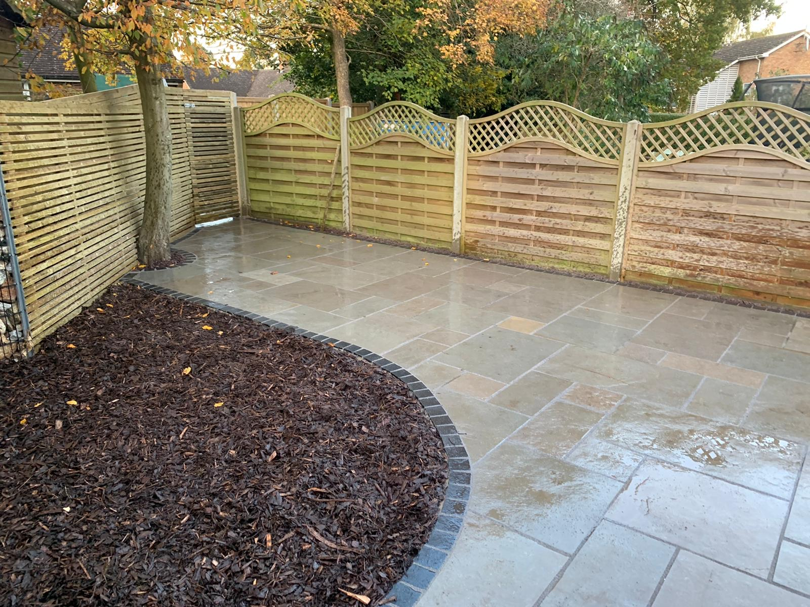 South East Fencing & Paving Verified Logo